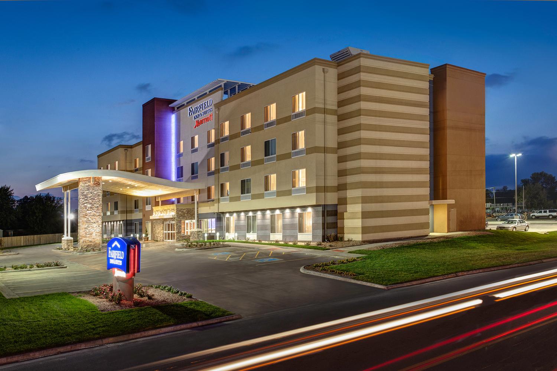 Fairfield Inn & Suites Milwaukee West
