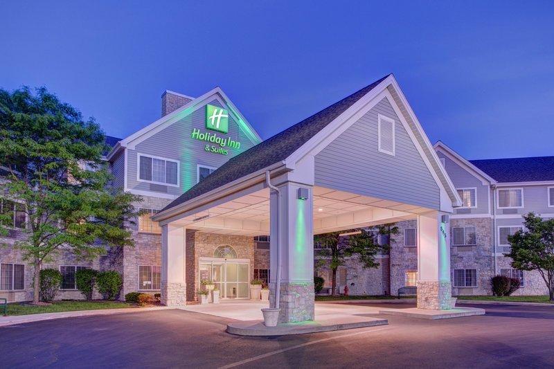 Holiday Inn & Suites Milwaukee Airport
