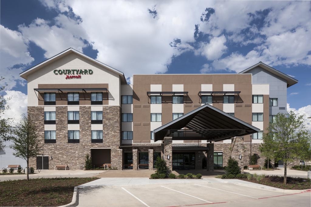 Courtyard Fort Worth Alliance Town Center